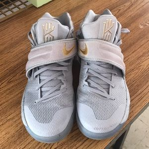 Nike Kyrie 2, Battle Grey